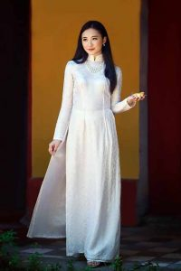Chinese girls desire to marry Western men