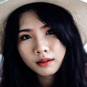 Meet Chinese women in Shenzhen China during a dating tour